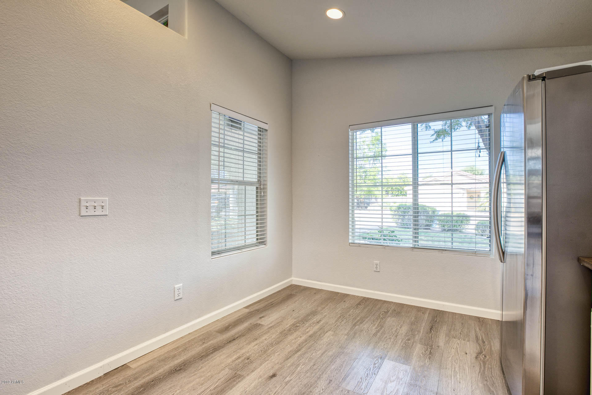 2335 E BROWNING  -7