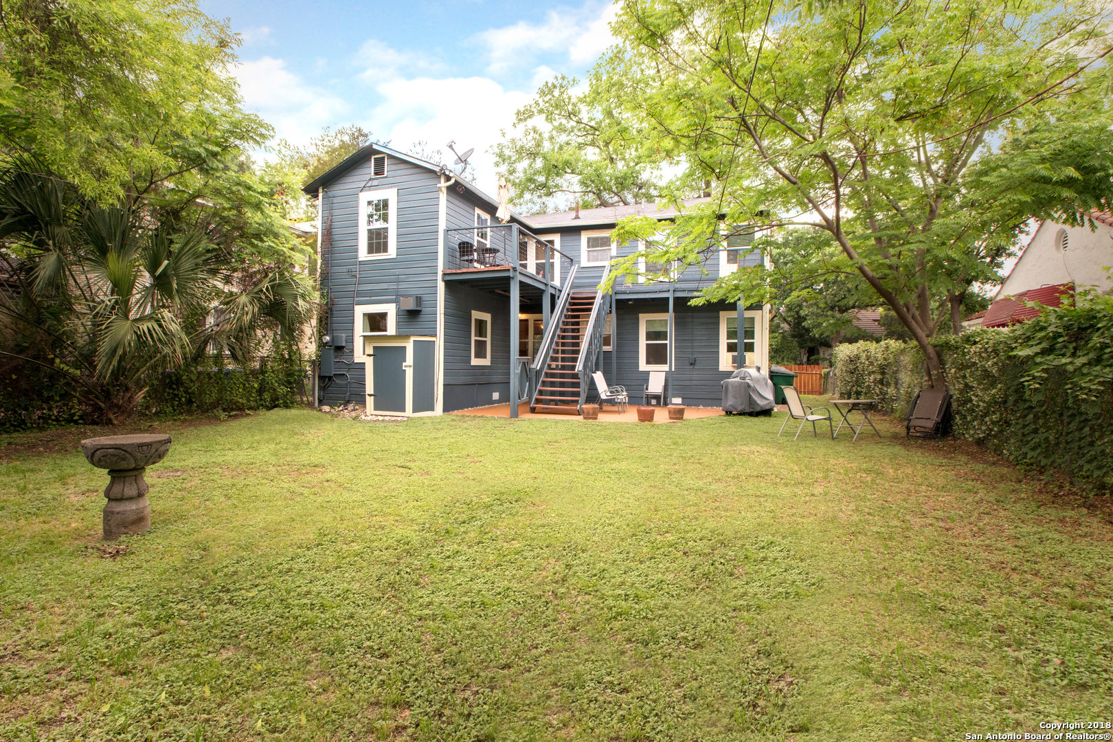 1526 W HUISACHE AVE-23